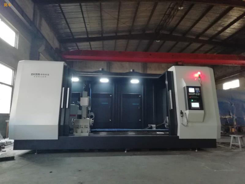 供应厂家直销4000W大型激光熔覆机